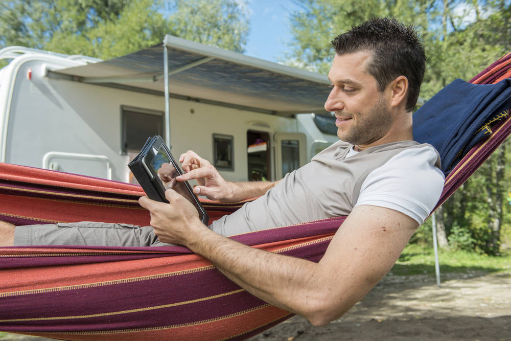 Atrévete a pasar tus vacaciones viajando en auto caravana