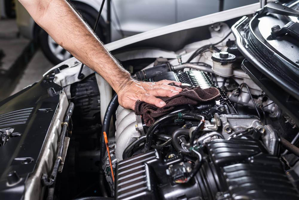 ¿Cuánto contamina un motor de coche?